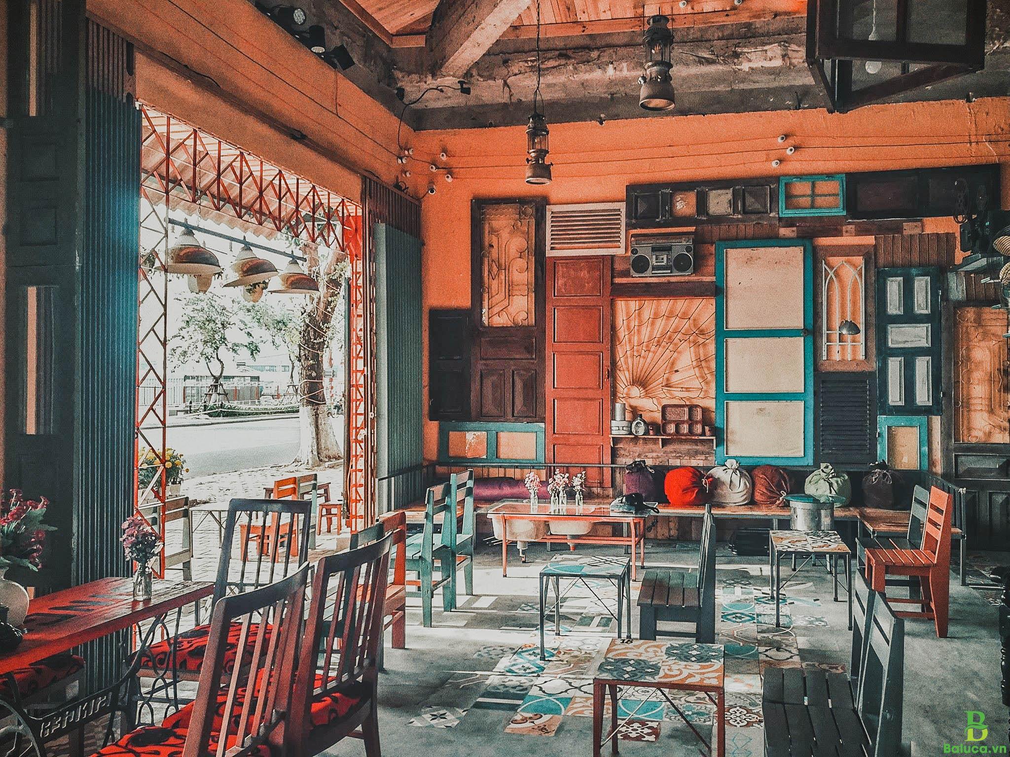 Setup quán cafe vintage
