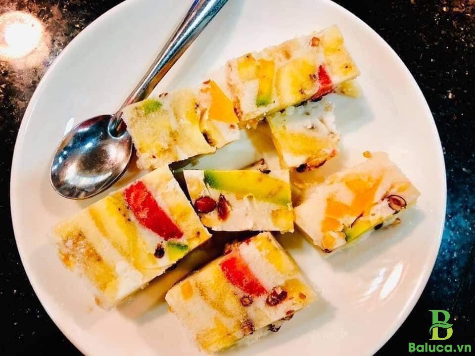 Kem chuối trái cây nhiệt đới